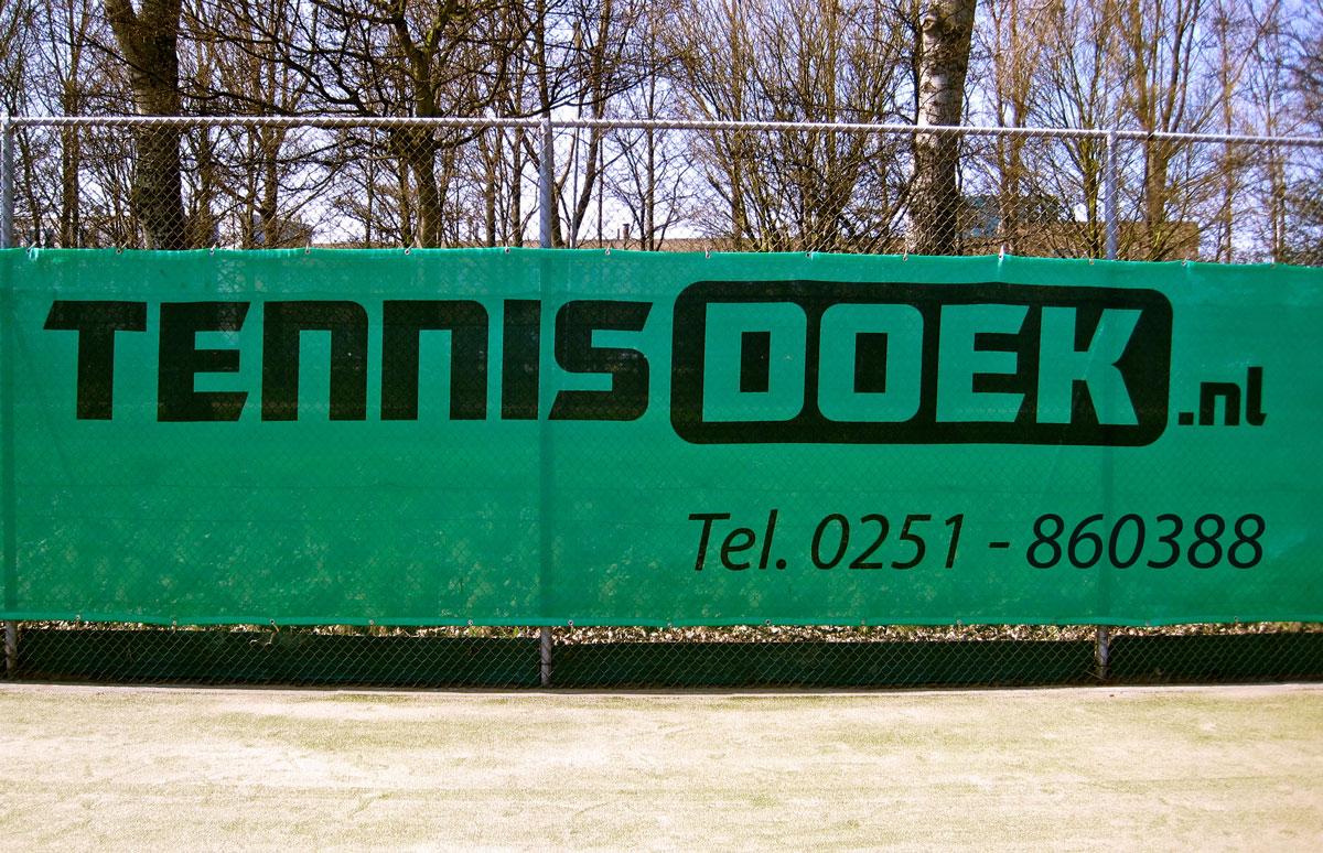 Tennisdoek-Beverwijk-Bedrukte-tennisdoeken-bestellen-voor-tennisverenigingen-Tennisdoek