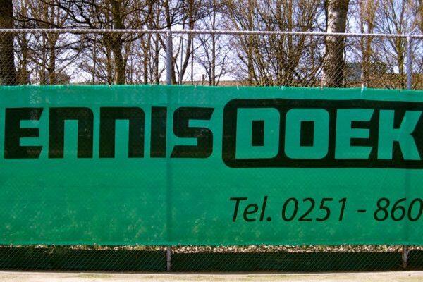 tennisdoek_doek-600x403